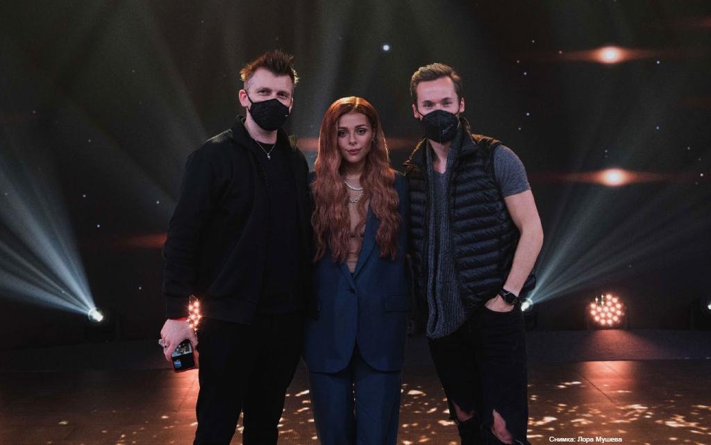 Виктория работи със сценичния режисьор на Little Mix и Дуа Липа